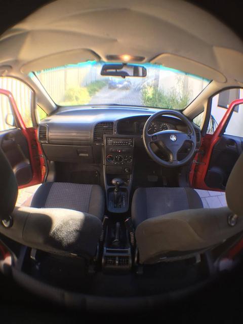 卖卖2004 Holden 1500 三个月rego 七人座大空间 省油好车(介绍工作
