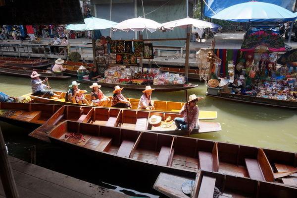 VACIO水上市場一日遊行程 (上) (丹嫩沙朵+美功鐵道市場)