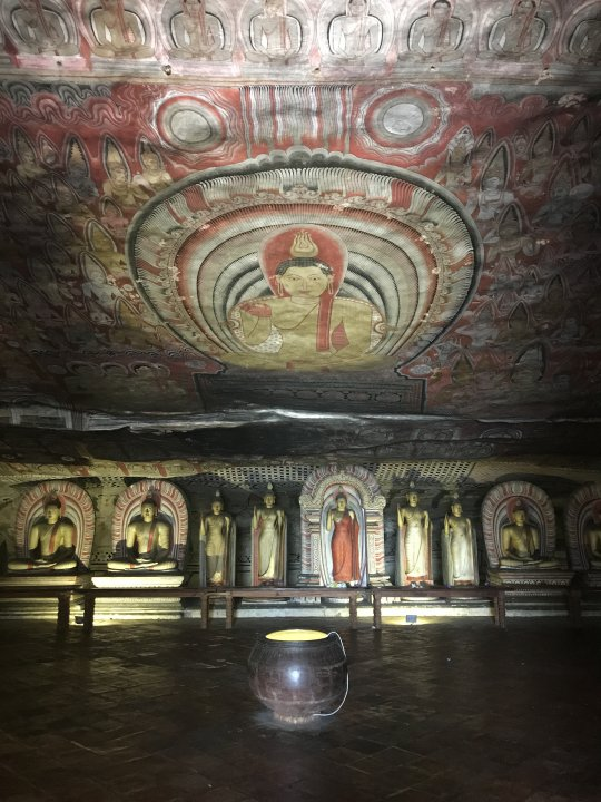 Dambulla cave temple with Cesar :)