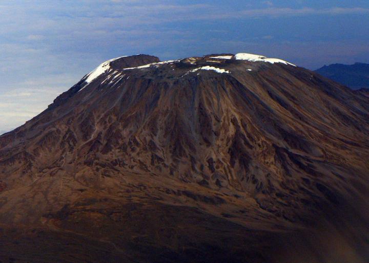 非洲的最高峰     吉力馬扎羅山