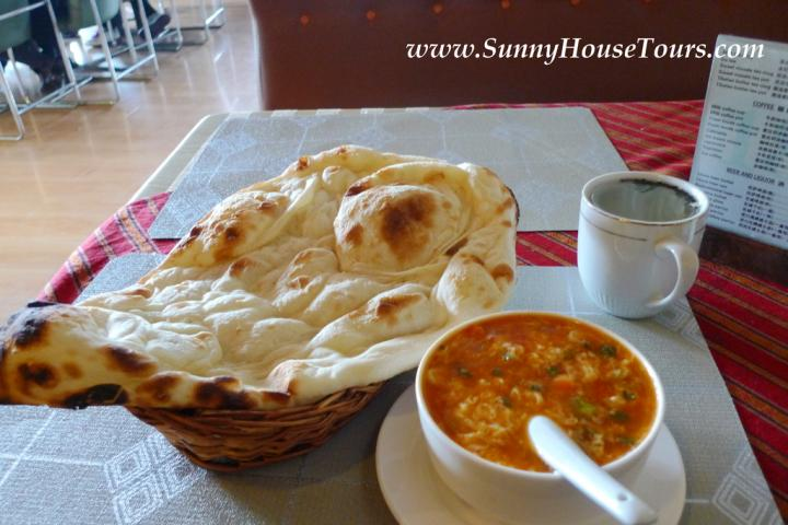 在西藏享用好吃的下午茶